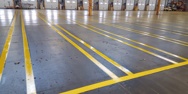 angle of the same long yellow lines floor markings